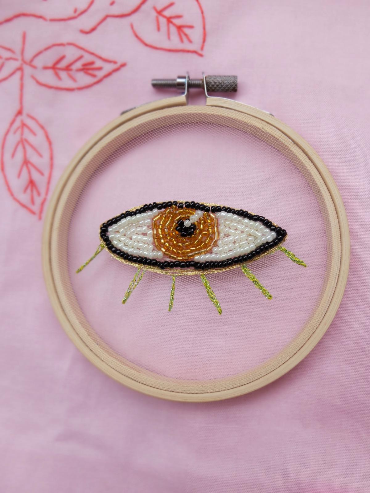 Beaded magic eye
