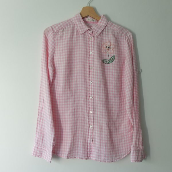 flower face on pink vichy shirt